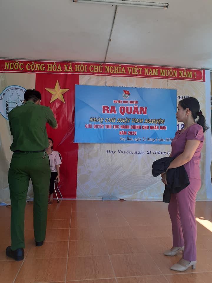 """Duy Hòa: tổ chức ra quân """"Ngày Chủ nhật tình nguyện"""" giải quyết thủ tục hành chính cho nhân dân năm 2020"""